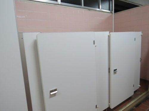 よみうりランドの子ども用小さいトイレ個室