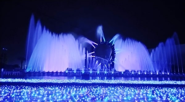よみうりランドのイルミネーション ジュエルミネーション2020 噴水ショー「ラ・フォンテーヌ」