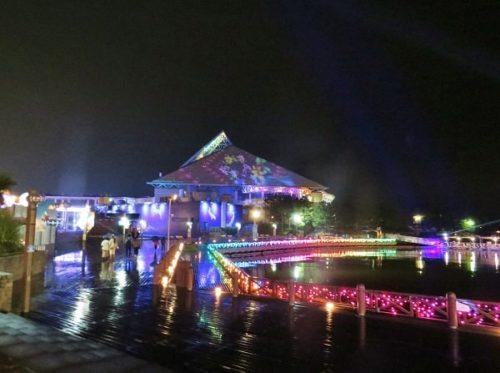 八景島シーパラダイス「海のバーベキュー焼屋」から見える冬だけのイルミネーション