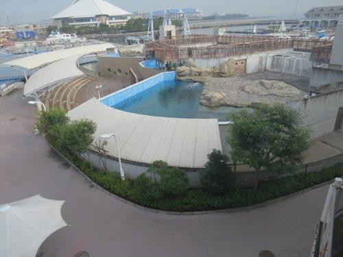 ホテルシーパラダイスインの客室から見える八景島シーパラダイスの「ふれあいラグーン」