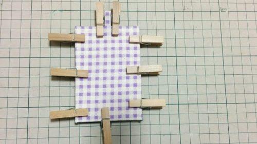 ハンドメイドのパスケース・カードケースの簡単な作り方(台紙を張りあわせたらピンチで固定する)
