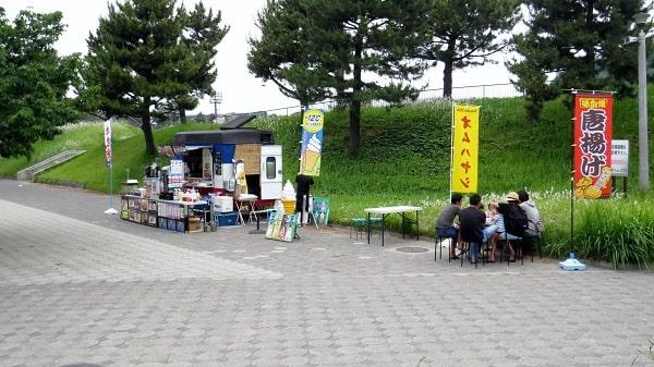 横浜「海の公園」管理センターのそばにある出店
