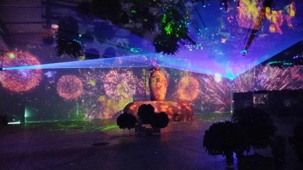 HANA・BIYORI ハナビヨリのプロジェクションマッピングによるデジタルアートショー